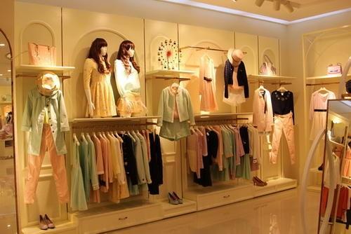 可靠的女装加盟品牌有哪些?朵以女装可以考虑