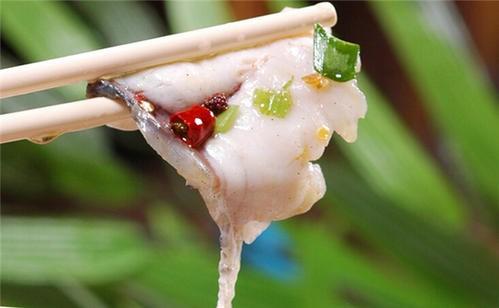 如何乌江片片鱼火锅呢?有几点需要注意