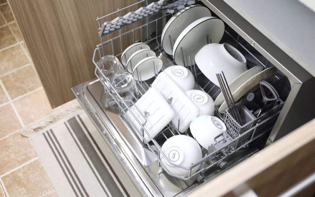 荣事达洗碗机