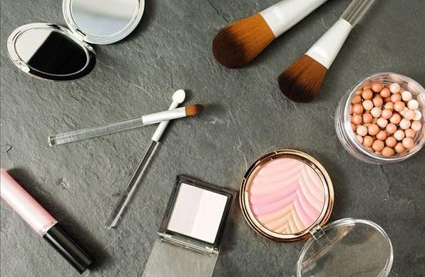 加盟化妆品行业如何?创业致富好选择