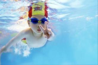 乐游宝宝亲子游泳