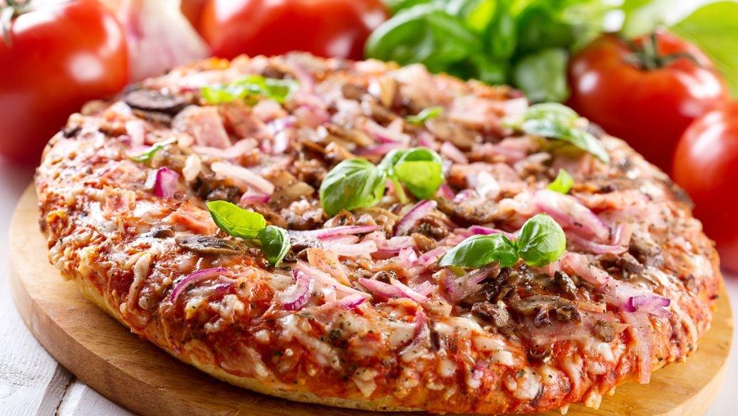 斯塔克披萨的加盟费用?看店面的大小