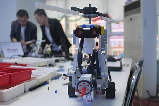 如何加盟乐探机器人教育呢?有几点要注意