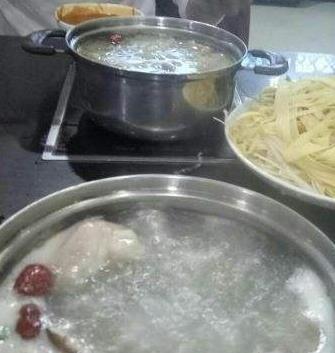菜多多火锅